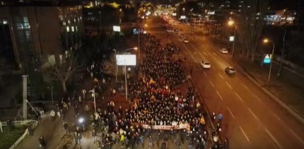 Фијаско, народот не верува во Заев: Му дојдоа само 2.000 луѓе на неговиот марш (ФОТО)