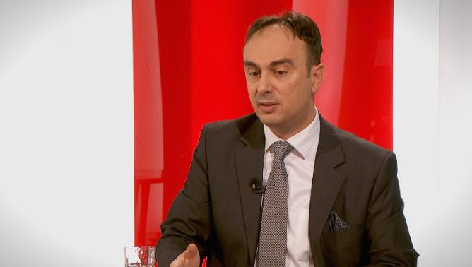 Чулев: Наместо суштински политики, владата си тераше ПР
