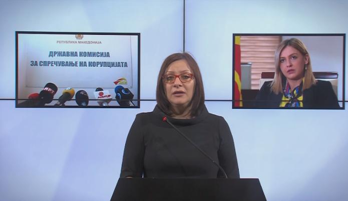 Димитриеска Кочоска: Во секоја друга држава кога министер за финансии ќе извлече пари од банка која пропаѓа е огромна афера во кој се бара оставка