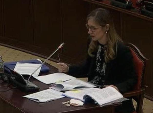 Гувернерката Бежовска не одговори на ниедно од прашањата од опозицијата, цитираше одредби од закон